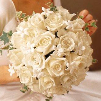 Букет невесты из кенийских роз «Светлая жизнь»