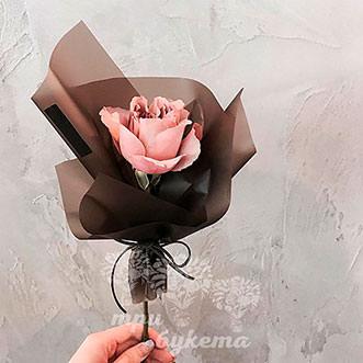 Мини-букет из кремовой розы
